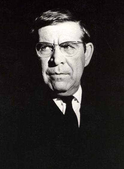 El poeta Ricardo Molina.