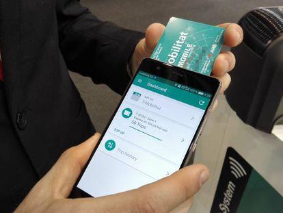 La T-Mobilitat, en su presentación en el Mobile World Congress de 2017.