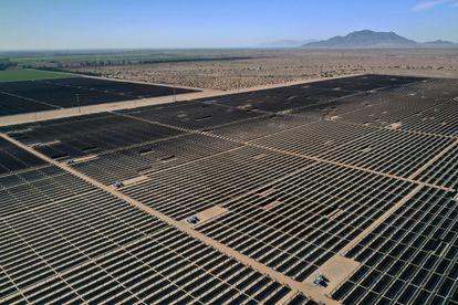 Imagen aérea de la planta solar en la localidad de El Centro, en California.
