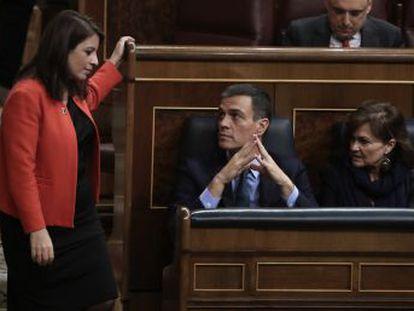 Un conjunto de desencuentros extraños de los negociadores, la presión del PSOE y el freno de Puigdemont al último intento de pacto empujan a Sánchez a jugársela y adelantar los comicios