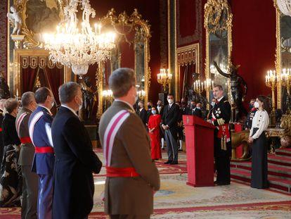 El rey Felipe VI se dirige a los mandos militares, durante la celebración de la Pascua Militar el pasado día 6 en el Palacio Real de Madrid.