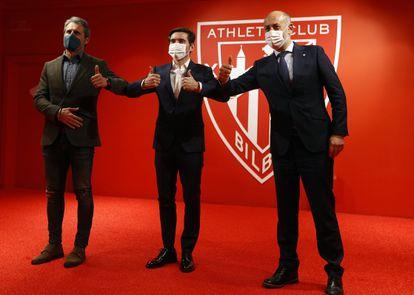 El entrenador Marcelino García Toral, (c) presentado este martes como nuevo entrenador del Athletic en Bilbao.