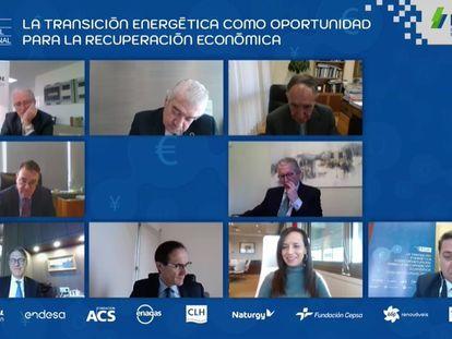 Mesa redonda durante el IX Simposio Empresarial Internacional Funseam.