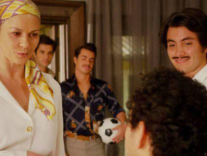 Zeta-Jones (izquierda), como Griselda Blanco en 'Cocaine Godmother'