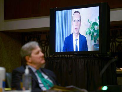 Mark Zuckerberg, en su comparecencia por videoconferencia en el Senado.