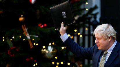 Boris Johnson, en Downing Street el 13 de diciembre tras ganar las elecciones.