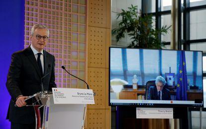 El ministro francés de Economía, Bruno Le Maire, en videoconferencia con el comisario europeo de Mercado Interno, Thierry Breton