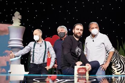 Javier Cansado, Javier Coronas, Dani Rodríguez y Pepe Colubi en una grabación de 'Ilustres ignorantes'.