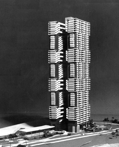 Maqueta para el concurso del edificio Libertad, de Martín Domínguez, Ernesto Gómez Sampera e Ysrael Seinuk (1959).