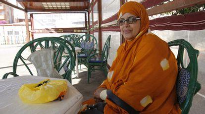 La activista de derechos humanos saharaui Djimi El Ghalia, ayer en El Aaiún.