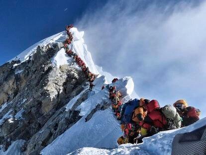 Colas en el Everest la pasada primavera.