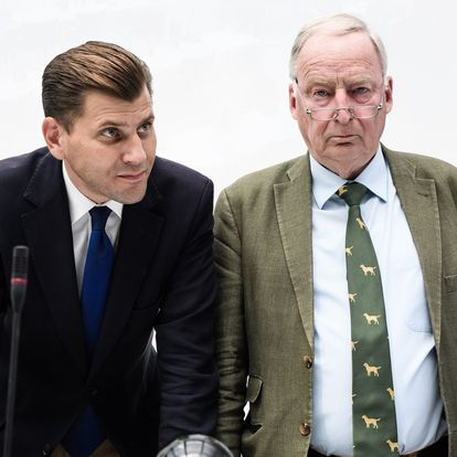 Berlin (Germany).- (FILE) - Christian Lueth (L), then spokesman of the German right-wing populist party Alternative for Germany (AfD), and Alexander Gauland (R), co-chair of the parliamentary group, atttend an AfD parliamentary group meeting in Berlin, Germany, 12 June 2018 (reissued 28 September 2020). According to reports, the AfD has sacked Lueth after reports emerged that he had allegedly spoken of 'shooting' and 'gassing' migrants in a conversation secretly recorded by a German TV show. The footage is expected to air later in the day. (Alemania) EFE/EPA/CLEMENS BILAN *** Local Caption *** 56047342
