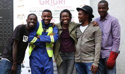 Estos son los cinco innovadores africanos participantes en Grigri Pixel 2017: Bay Dam de VX Lab (Dakar, Senegal), Ismael Essome de Madiba & Nature (Kribi, Camerún), Mané Toure Ndèye de Côté Jardin (Dakar, Senegal), Aderemi Adegbite de ICAF (Lagos, Nigeria) y Afate Gnikou Kodjo de Woora Make (Lomé, Togo).