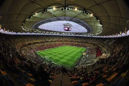 El interior del estadio National Arena de Bucarest en un encuentro entre el Atlético de Madrid y el Athletic Club.