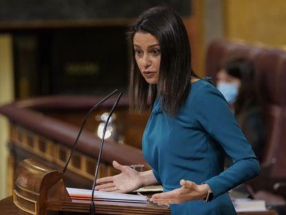 La líder de Ciudadanos, Inés Arrimadas, interviene durante una sesión de control al Gobierno este miércoles.