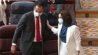 El vicepresidente, Ignacio Aguado, y la presidenta de la Comunidad de Madrid, Isabel Díaz Ayuso, el 14 de septiembre durante el debate del estado de la región en la Asamblea.