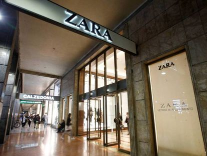 Fachada de una tienda de Zara en Milán.