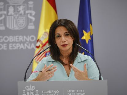 Silvia Calzón, secretaria de Estado de Sanidad, este lunes en rueda de prensa.