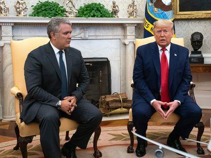 El presidente de Colombia, Iván Duque, visita a su homologo estadounidense, Donald Trump, en la oficina oval de la Casa Blanca.