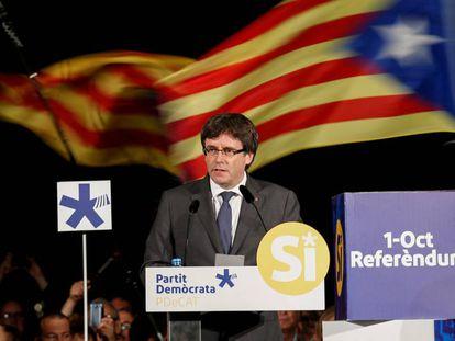 El presidente de la Generalitat, Carles Puigdemont, en un mitin el pasado 22 de septiembre, en San Cugat (Barcelona).
