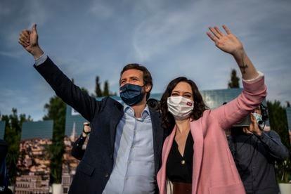 Pablo Casado e Isabel Díaz Ayuso, en el acto de cierre de campaña del PP, el pasado domingo.