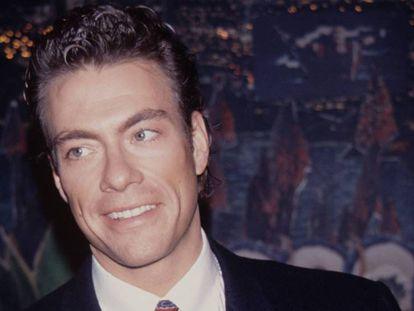 Jean Claude Van Damme debutó en el cine en 1984 y cuando llegó 1990, fecha en que se tomó esta imagen, ya era una estrella gracias al éxito de películas como 'Contacto sangriento' o 'Libertad para morir'. En vídeo, escena de la película 'Monaco Forever'.