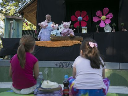 Un momento de la representación de 'Las Tres Cerditas', el pasado sábado en el Teatro de Títeres de El Retiro.