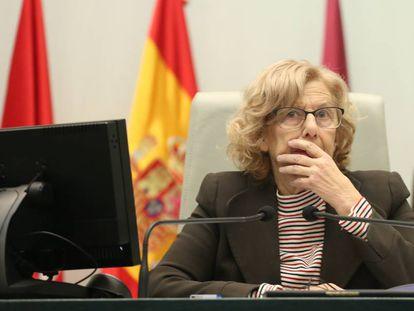 Manuela Carmena, esta mañana en el pleno del Ayuntamiento.
