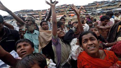 Refugiados rohingya a su llegada a Bangladesh.