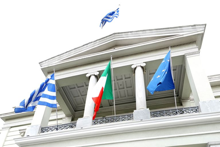 Ceremonia de apoyo a Italia en el Ministerio de Asuntos Exteriores de Grecia en Atenas
