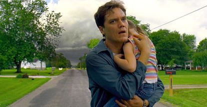 Michael Shannon, en un fotograma de la película de catástrofes <i>Take Shelter,</i> dirigida por Jeff Nichols.