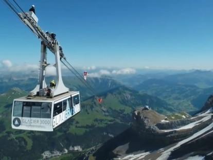Un homenaje a 3.000 metros de altura para los sanitarios que luchan contra la covid-19