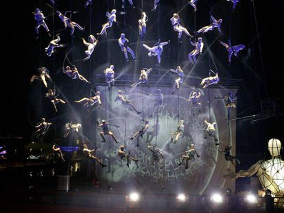 'Blending (in the air)', espectáculo de La Fura dels Baus estrenado en 2015.