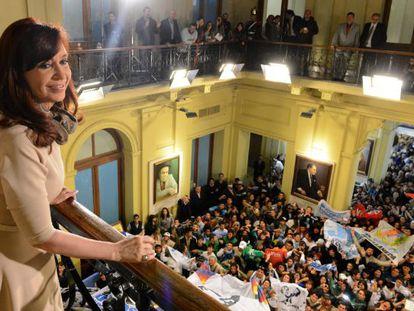 La presidenta Cristina Fernández, en un acto oficial con pensionados.