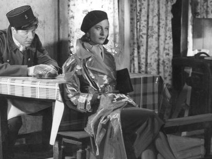 La actriz Michèle Morgan (i) y el actor Jean Gabin en 'El muelle de las brumas' en 1938.