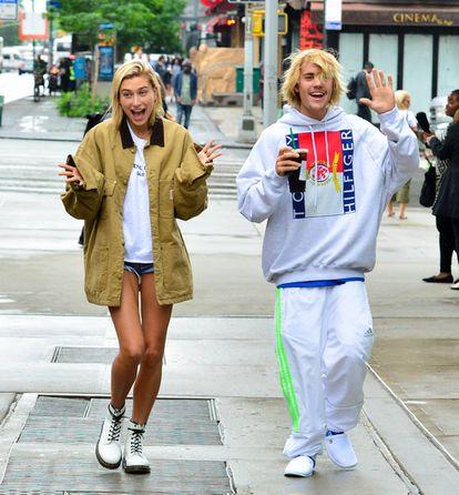 Hailey Baldwin y Justin Bieber a mediados de junio en Nueva York.