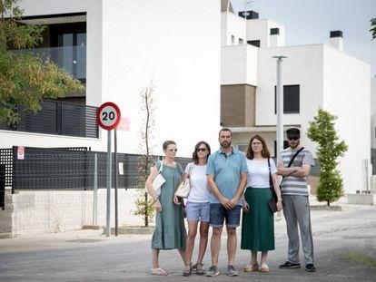 Afectados por el incremento del precio de las viviendas por la inmobiliaria Grupo Pradena.