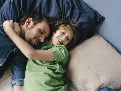 ¿Es el día del padre o de la madre una celebración obsoleta?