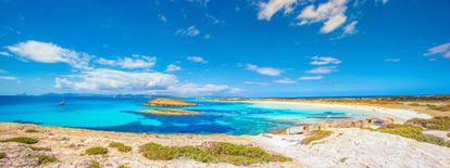 Fotografía de la playa balear de Ses Illetes, perteneciente al parque natural de las Salinas de Ibiza y Formentera.