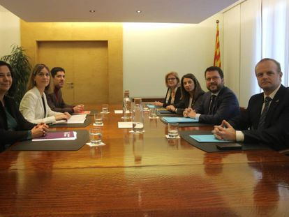 Reunión entre el Govern y los comunes, el pasado 16 de diciembre.