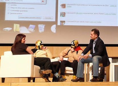 Eduardo Pérez durante la mesa redonda con los miembros de Amasté y DecoHomeTV.