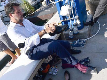 Matteo Salvini visita el Salón Náutico de Génova.