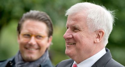 El jefe del Gobierno bávaro, Horst Seehofer, en primer plano