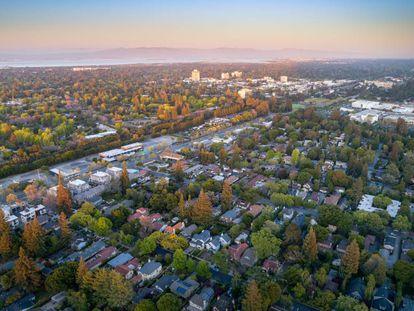 Ciudad de Menlo Park, una de las que compone Silicon Valley, referente de la vanguardia en la investigación tecnológica.