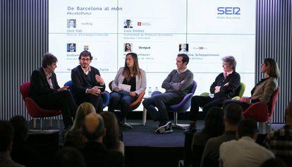 Coloquio de Barcelona al mundo organizada por la Cadena Ser.