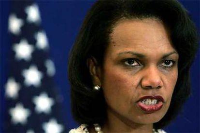 Condoleezza Rice, durante su comparecencia ante la prensa ayer en Jerusalén.