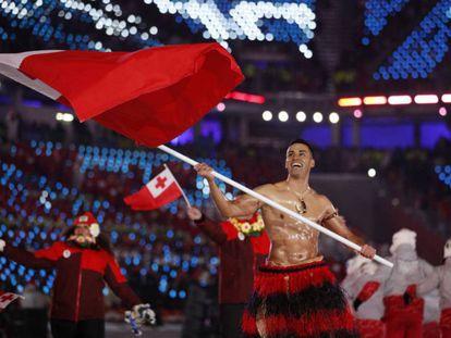Pita Taufatofua durante la ceremonia de inauguración de los Juegos Olímpicos de Invierno 2018 en Pyeongchang.