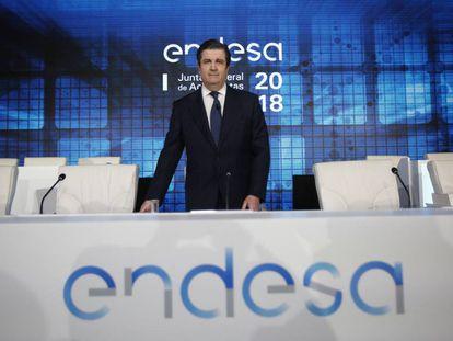 Borja Prado, presidente de Endesa, antes del comienzo de la junta de accionistas.