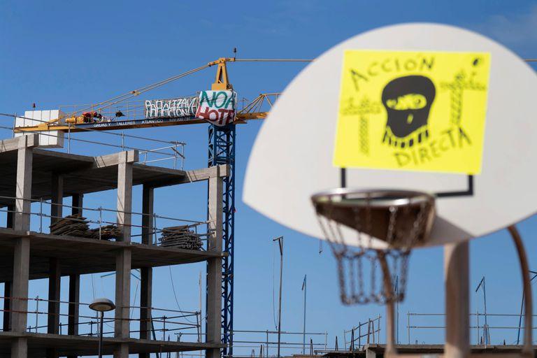 Protestas ecologista por la construcción de un hotel en el sur de Tenerife, el pasado 18 de junio.
