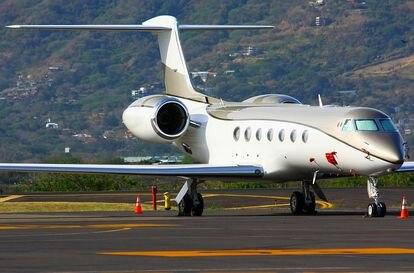 Uno de los aviones privados que adquirió María Aramburuzabala.